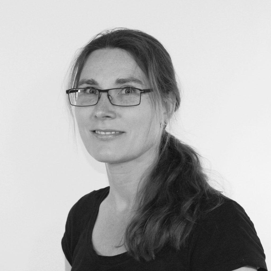 Paula Thor