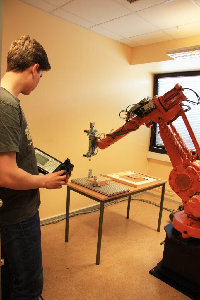 ABBrobot fjärde teknikåret Ystad Gymnasium