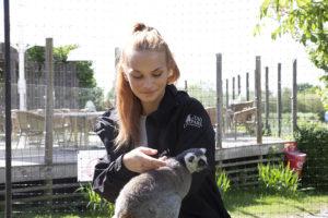 Naturbruk Emelinn och lemur